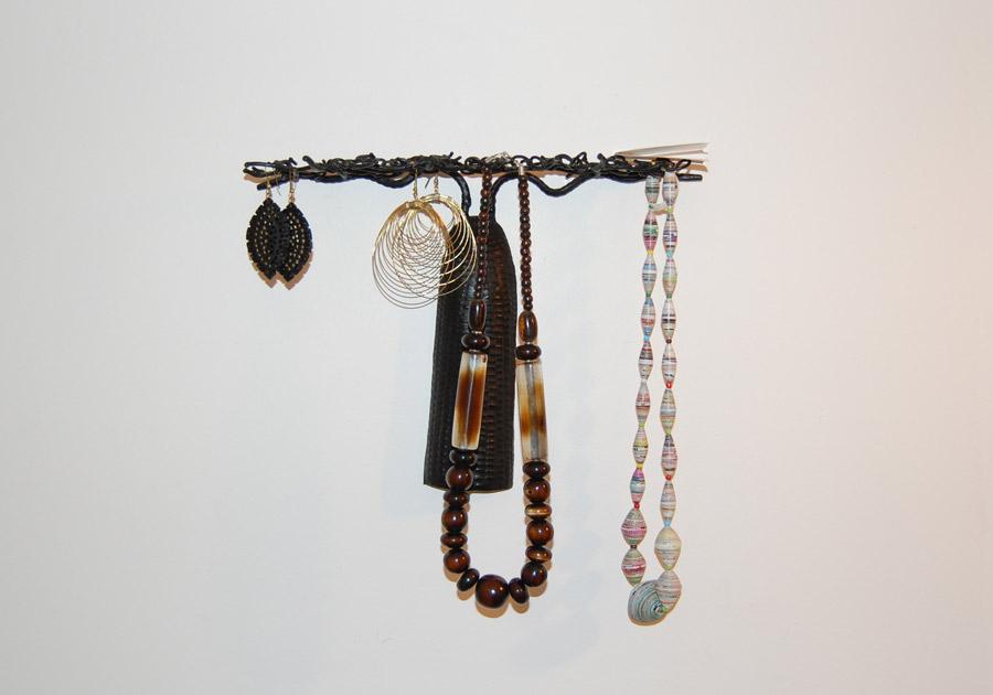 Porte bijoux ou arbre porte bijoux ? Lequel adopter ?
